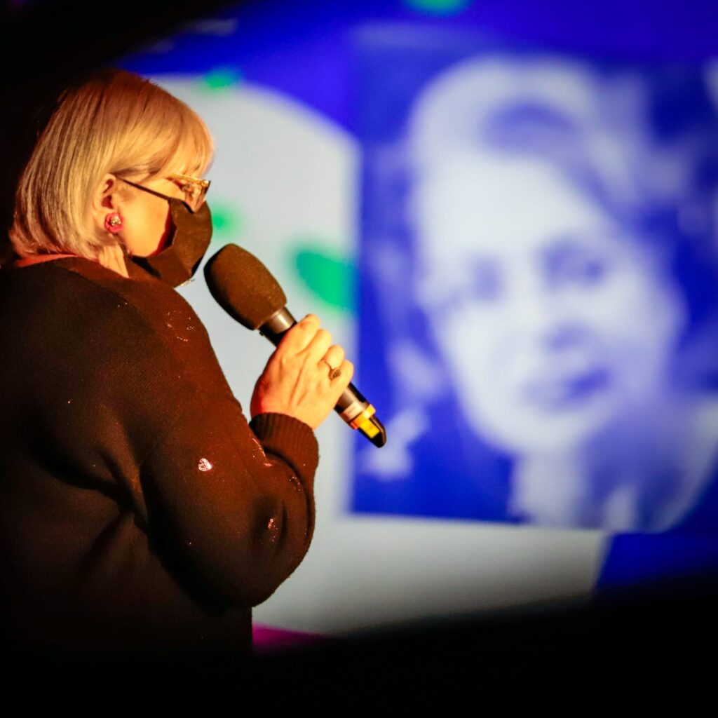 Irina Margareta Nistor prezentare de film la #DriveIn Militari